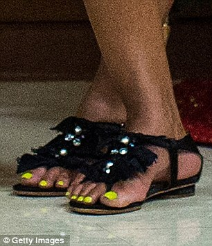 Does michelle obama have 6 toes