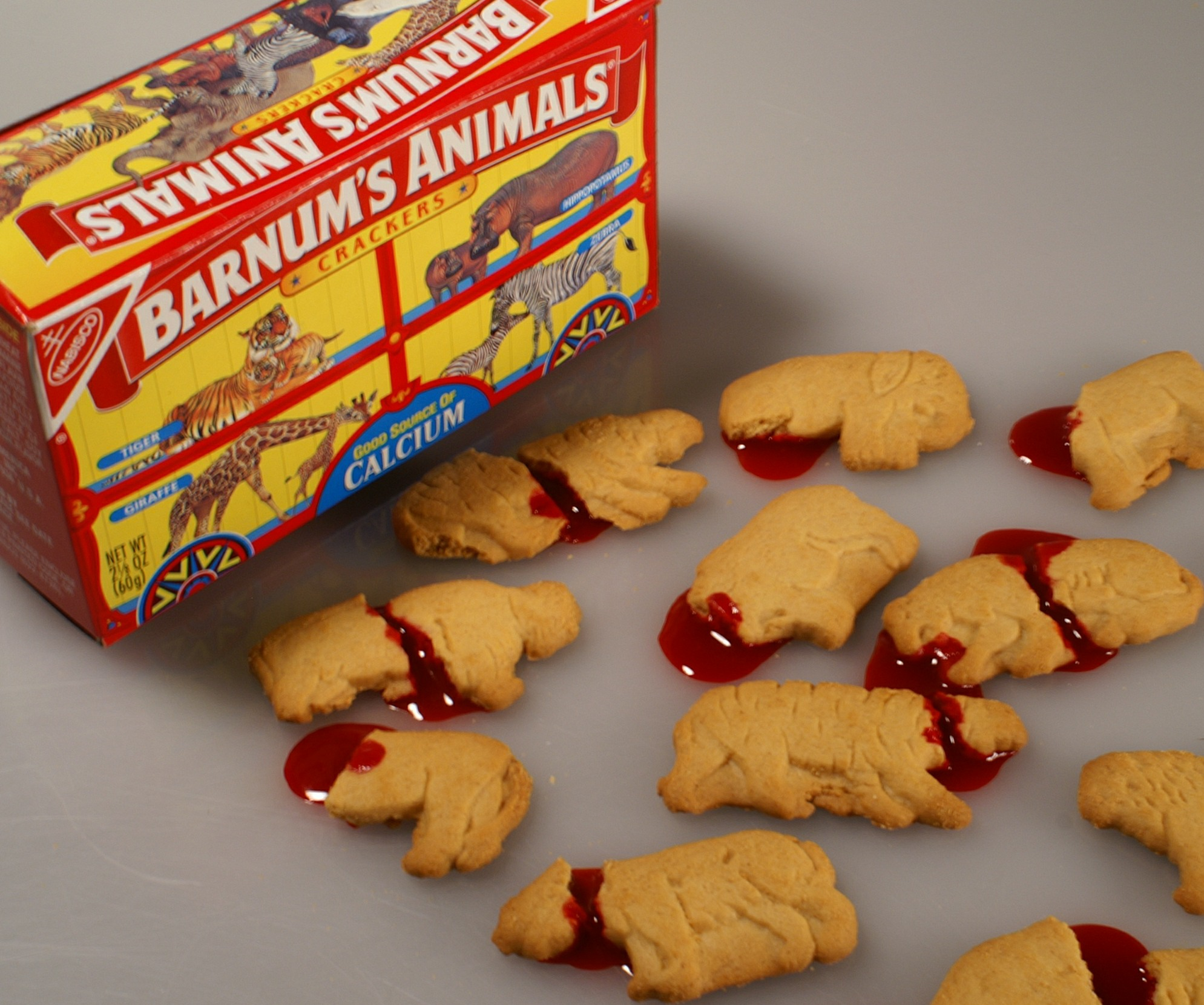 What animals are in animal crackers
