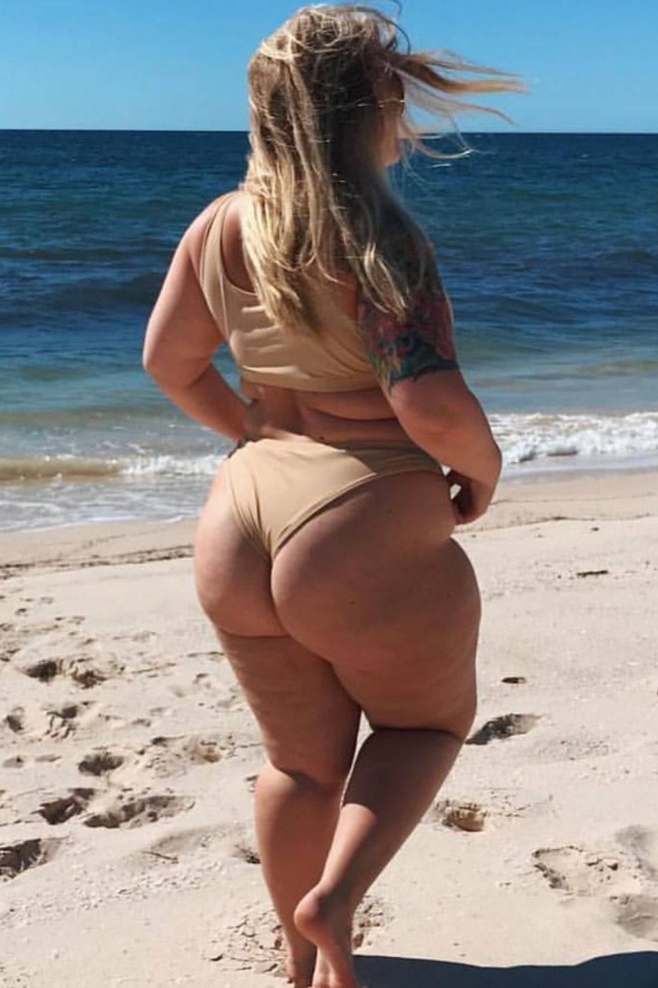 Bbw on the beach