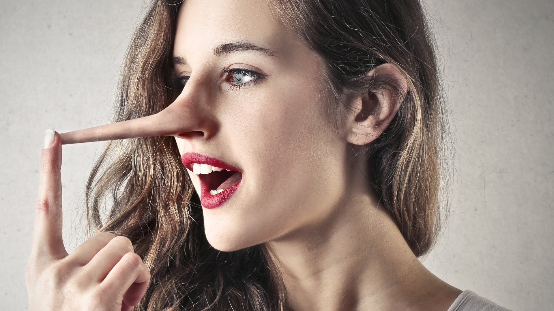 How to know a girl is lying