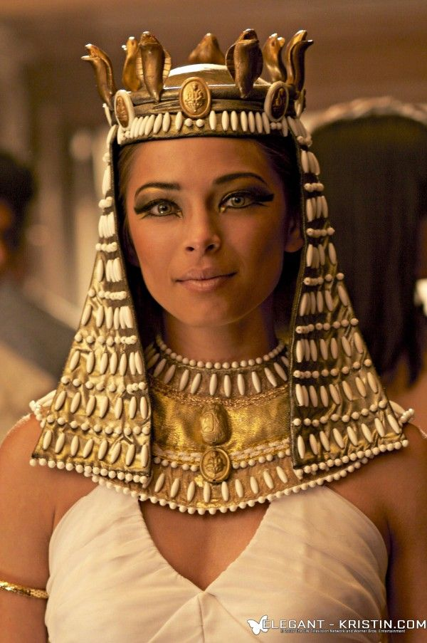 How old was cleopatra when she died
