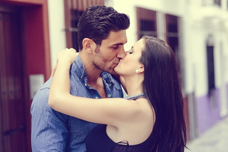 Is it okay to kiss on the first date